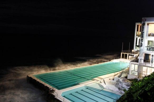 Bondi Beach - Jeremy Bishop